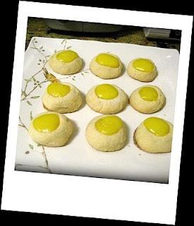 Lemon Curd Thumbprint Cookies | Yumm | Pinterest