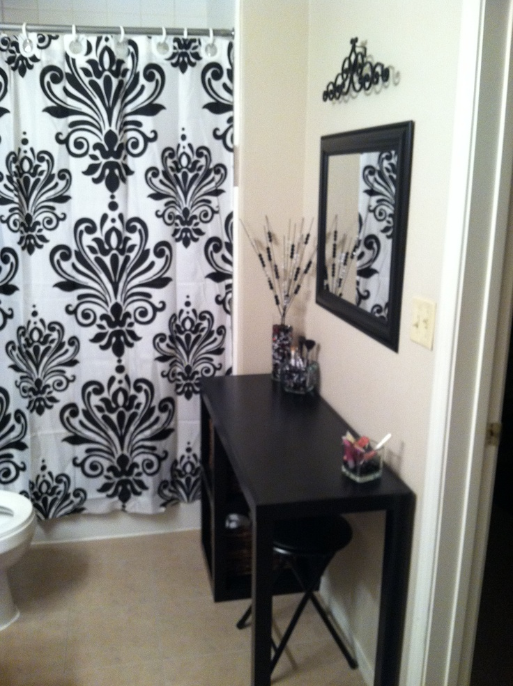 Great Makeup Vanity In A Small Space Organization Pinterest