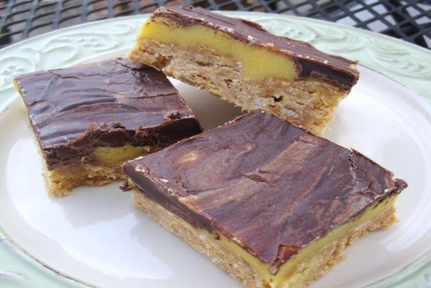 Yum-Yum No Bake 3 Layer Bars. Photo by mary winecoff