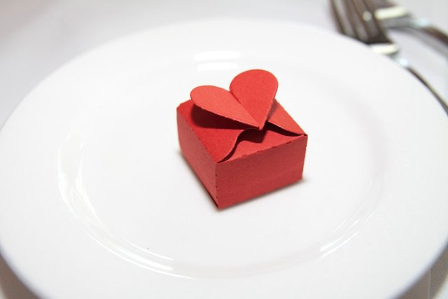 Origami heart box fashion with paper pinterest - How to make a paper heart box ...