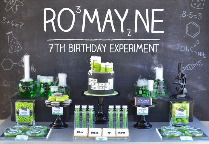 Una genial mesa para una fiesta ciencias / A seriously cool table for a science party