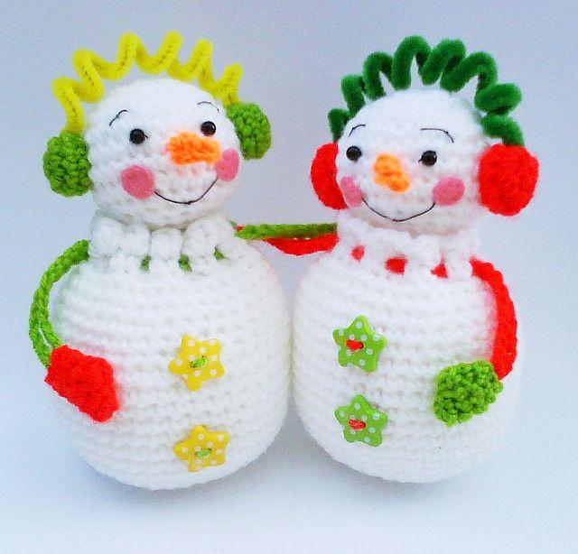 Ravelry: Snowman Couple Pouch Gift Bag Amigurumi Crochet Pattern by HandmadeKitty by Jenny Lloyd.