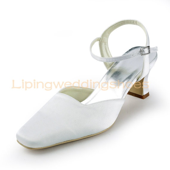 simple wide wedding shoes low heel slingback bridal shoes