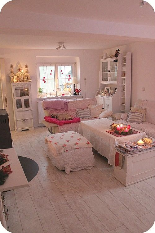 Pin by dawn milligan on bedroom makeover pinterest for Diy shabby chic bedroom ideas
