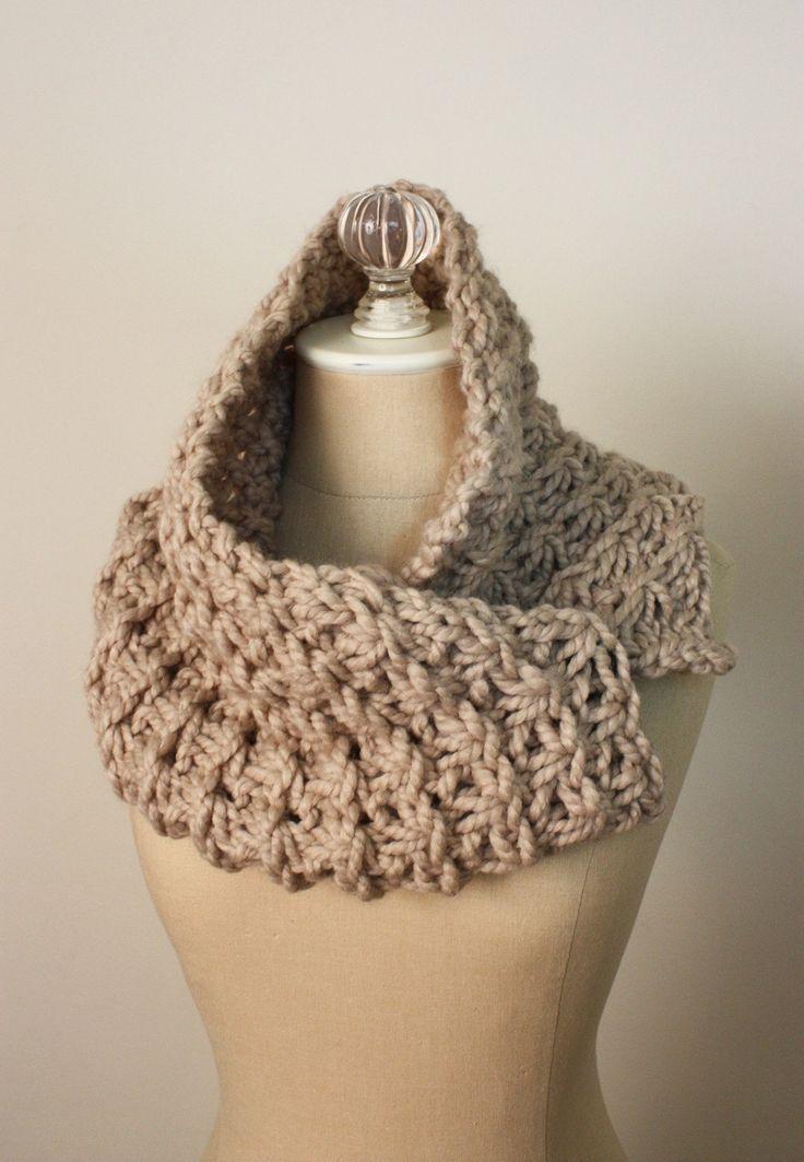 Stitches Knitting Patterns : Cowl Pattern / Knitting Pattern / Chunky Oversized / Asterisque / PDF?