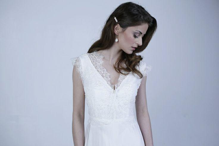 Hochzeitskleid aus französischer Spitze von Qaragma auf DaWanda.com