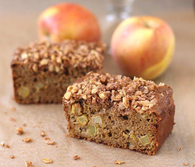 Healthy Apple Pie Bread with Walnut-Oatmeal Streusel