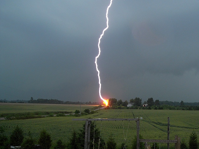Lightning Strike Weather Fascinating And Scary Pinterest