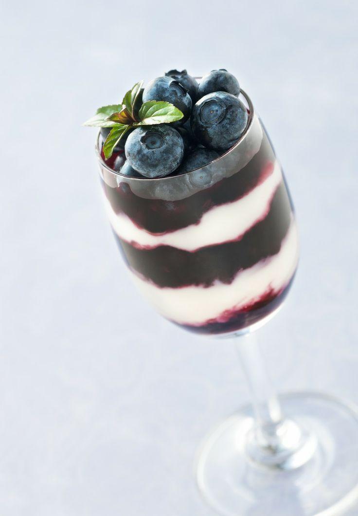 Blueberry Yogurt Parfait | Great recipe ideas | Pinterest