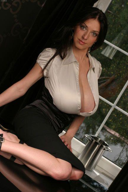 Ukrainian glamour big boobed model Merilyn Sakova