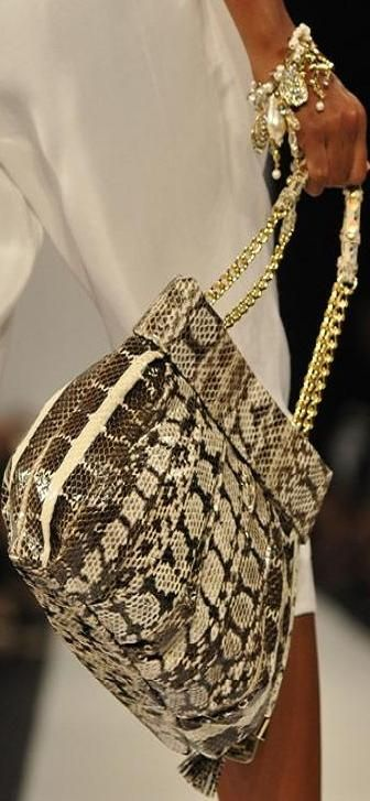 6 cool nyfw spring accessories