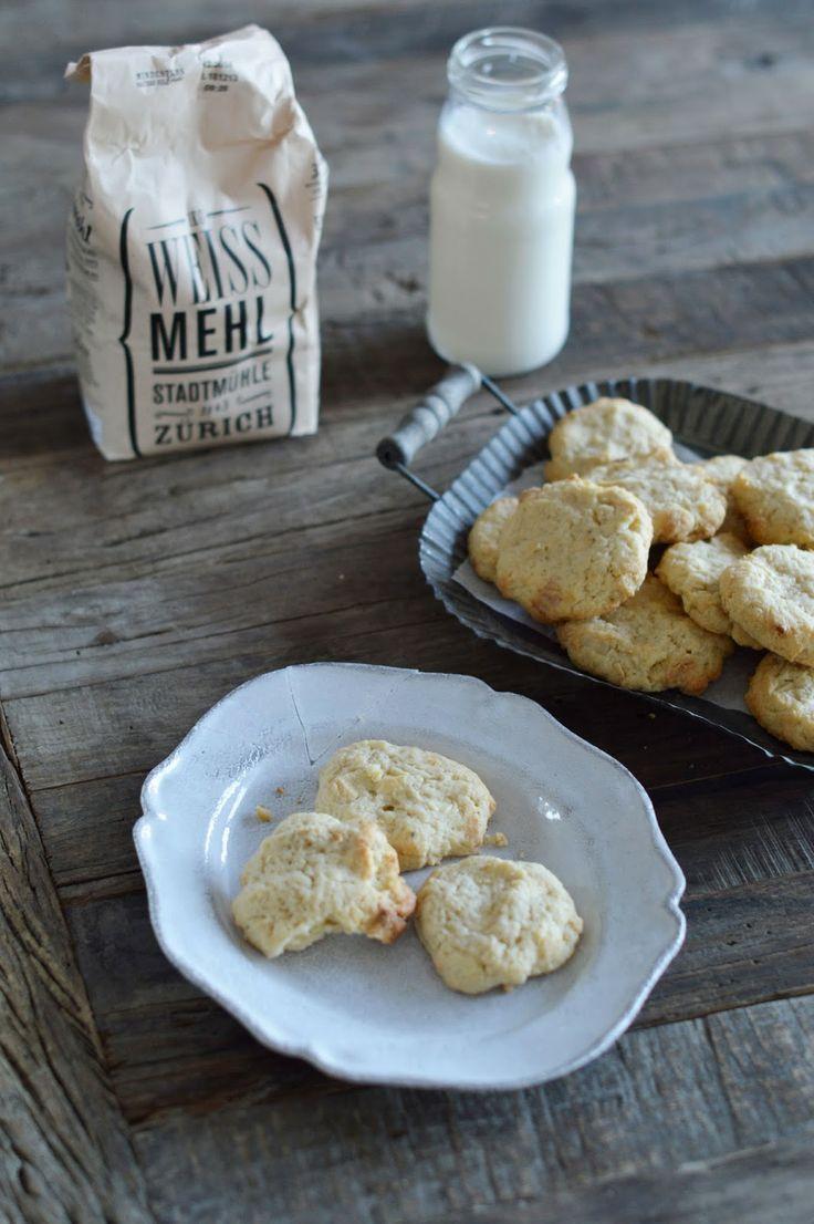 cream cheese, white chocolate & macadamia cookies