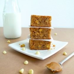 For the Biscoff lovers - Banana Biscoff White Chocolate Chip Blondies