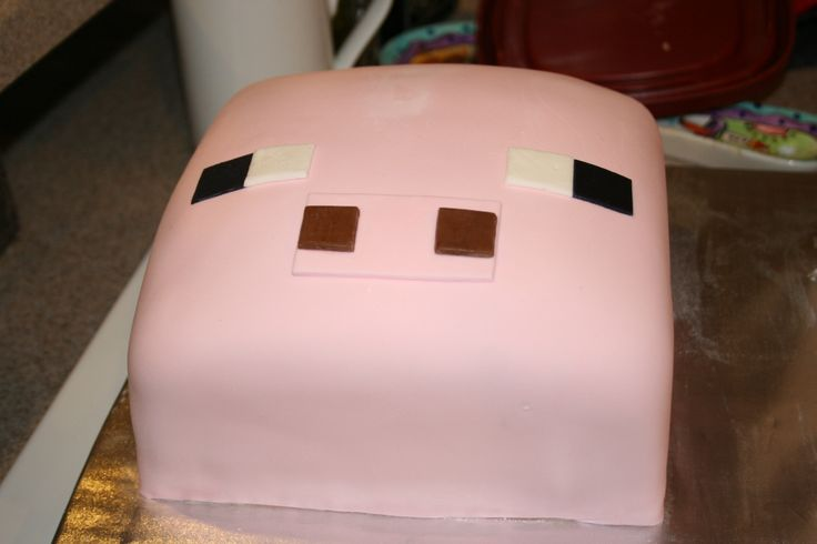 Jeffrey Pig from Minecraft Cake Minecraft party Pinterest