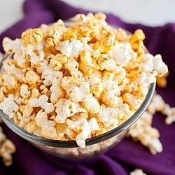 My curry flavor obsession continues: Coconut Curry Popcorn
