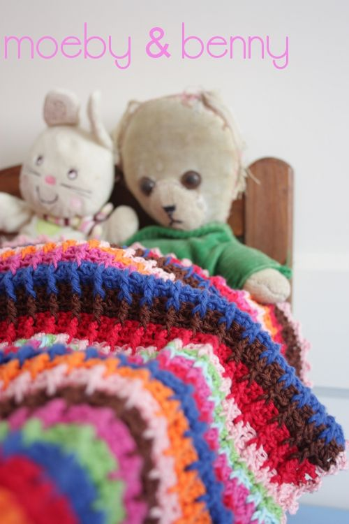 Crochet waffle stitch doll blanket. Tutorial for the waffle stitch by ...