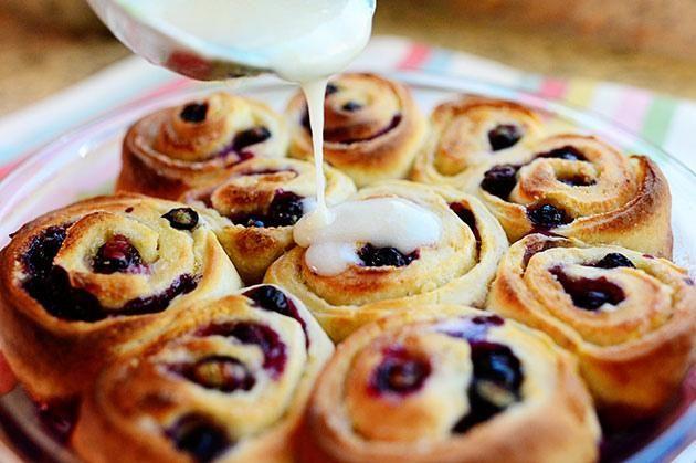 How To Make Blueberry Lemon Sweet Rolls | Bread Recipes | Pinterest