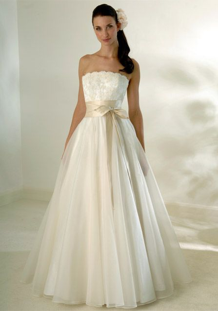 Wedding dress with champagne sash a wedding in champagne for Champagne color wedding dresses