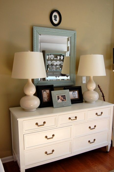 Dresser With Lamps
