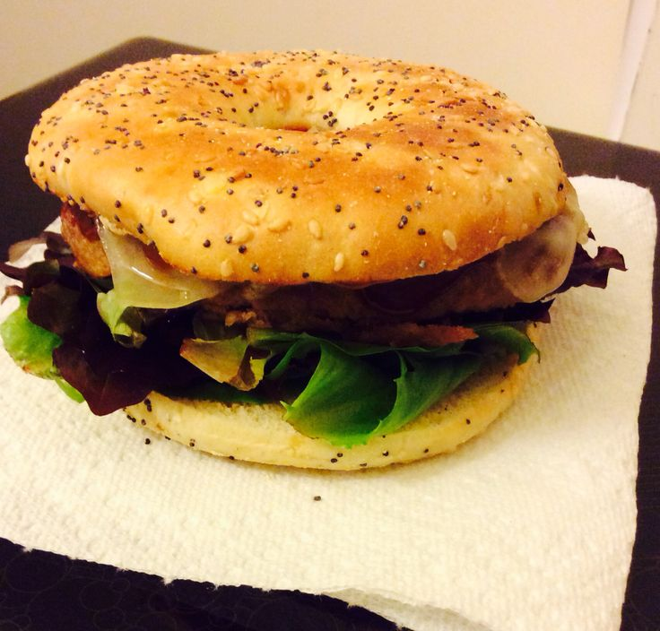 ... turkey burger with low-fat Swiss cheese on an Everything bagel slim