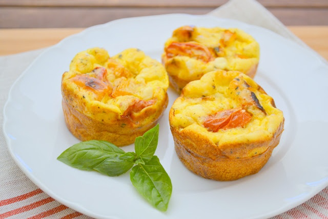 Roasted Tomato and Pepper Mini Frittatas | Food | Pinterest