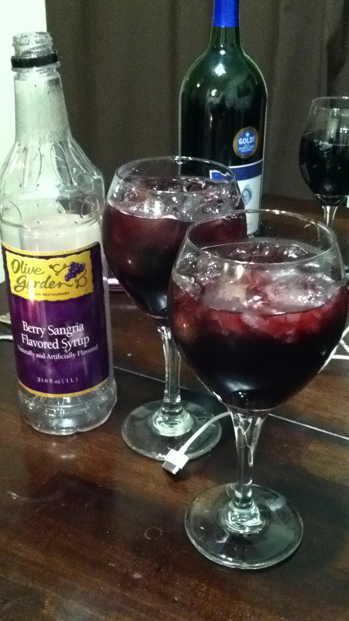 Berry Sangria Courtesy Of Olive Garden It 39 S 5 O 39 Clock Somewhere