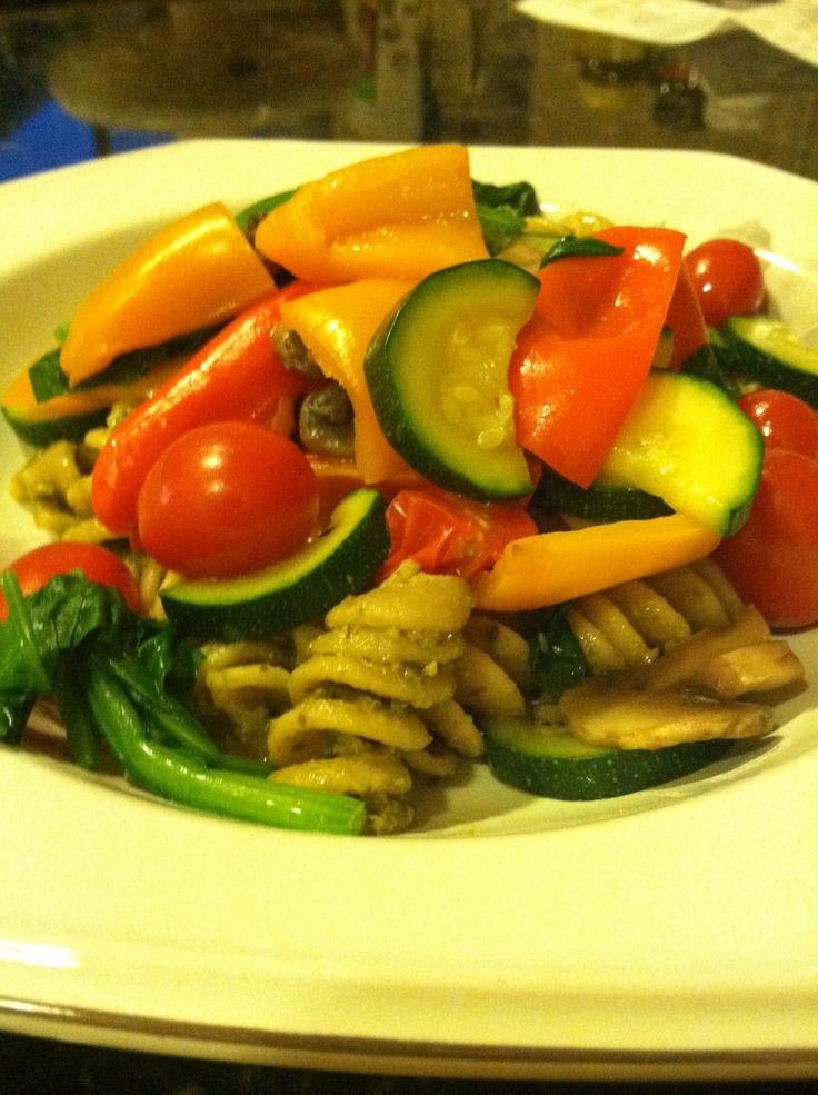 ... red & yellow sweet peppers, mushrooms, zucchini half circle slices
