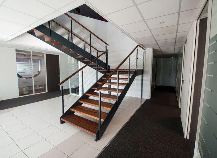 Pin by escaliers potier on escaliers m tal pinterest - Escalier moderne metal ...