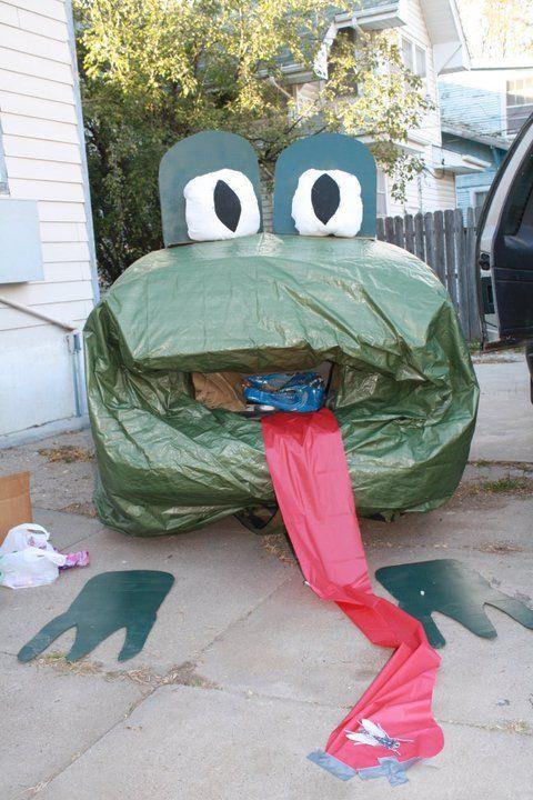 trunk or treat ideas / i used a green tarp, super simple