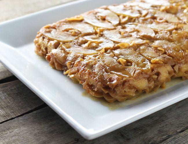 Caramel Apple Noodle Kugel - FoodBabbles.com #caramel #apple