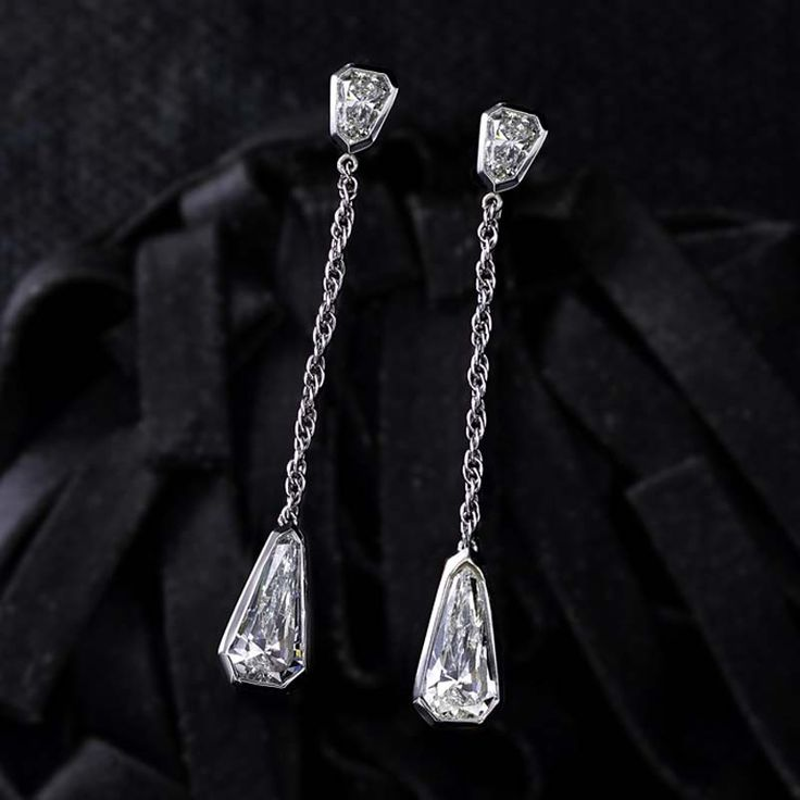 Diamond Dangle Earrings> http://bit.ly/1AmXl7D