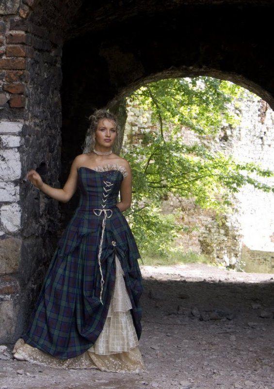 Scottish wedding dress tartan fashion clothes shoes for Scottish wedding dresses with tartan