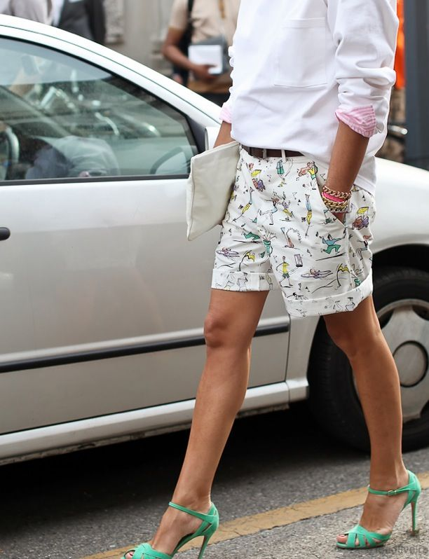 AAS : How to wear Bermudas  for both work and play?! 1. Make it a suit. 2. Be casual and ironic!