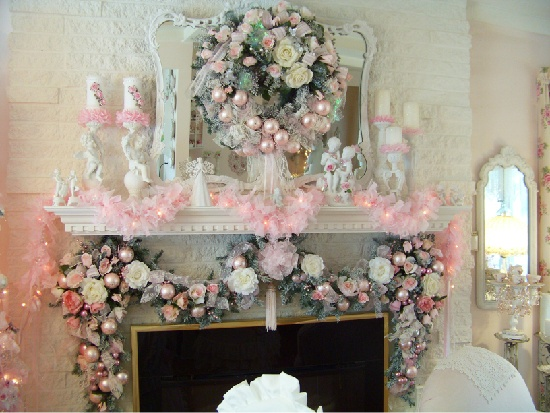 Shabby christmas mantel holidays pinterest for Shabby chic christmas