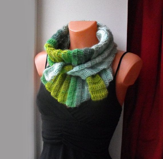 SUPERSALE% Crochet triangle scarf bactus.Neckwarmer,shawl ...