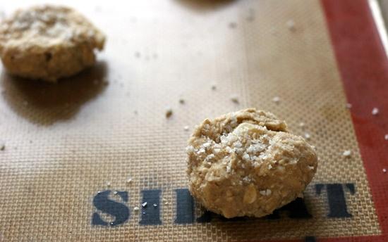 crispy salted oatmeal white chocolate cookies