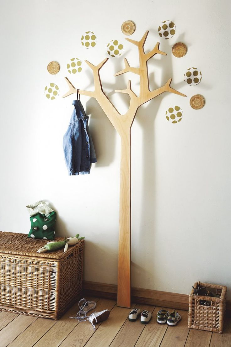 Trees in kids room mommo design for Adornos colgar pared