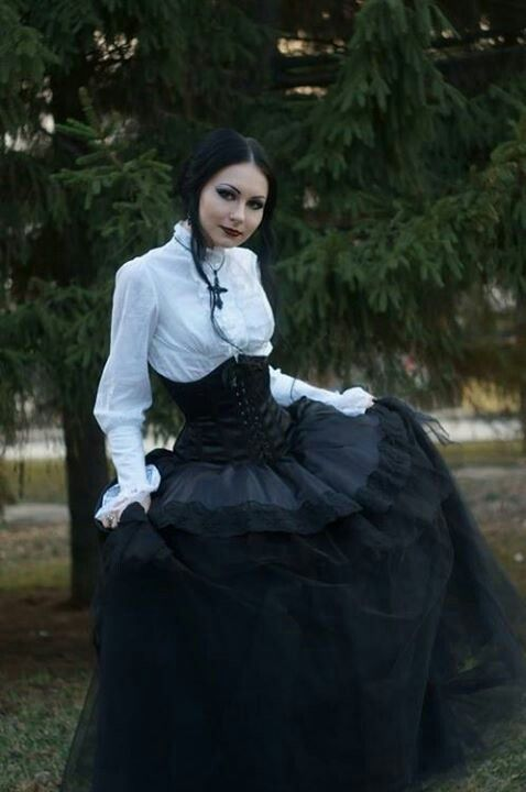 Victorian Goth Girl