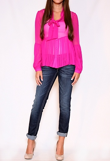 tie neck top with pleats. How girly!