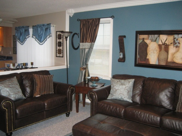 family room wall color with warm brown furniture and accents