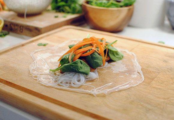 Garlic chicken spring rolls. Super great photo tutorial.