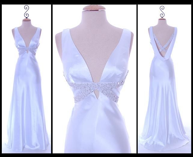 Old hollywood glam wedding dress second times the charm for Hollywood glam wedding dress