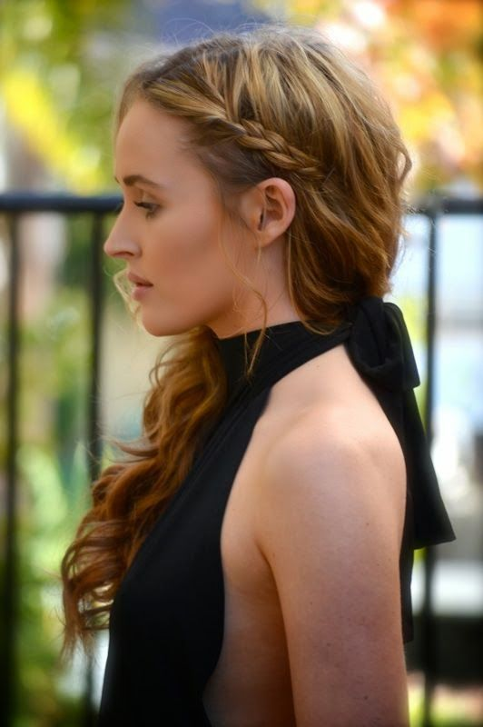 Side braid with loose curls   Beauty.     Pinterest