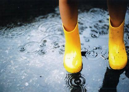 jummpin in puddles