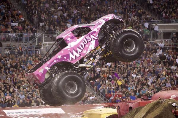 Ausmalbild Madusa Monster Truck: MADUSA Monster Truck !