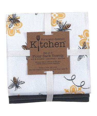 Queen bee kitchen towel set of three zulily zulilyfinds for Kitchen queen set