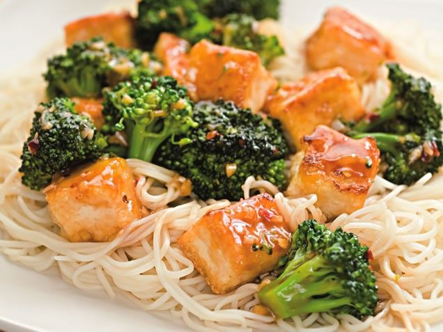 Tofu and Broccoli Stir-Fry. #vegetarian #dinner http://www.ivillage ...