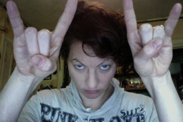 Amanda Palmer has got to be the most impressive Indie artist out there. She has nearly hit her $1,000,0000 goal at Kickstarter. Kick Ass!