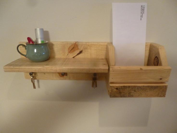 Reclaimed Pallet Wood Wall Mounted Coat Key Rack