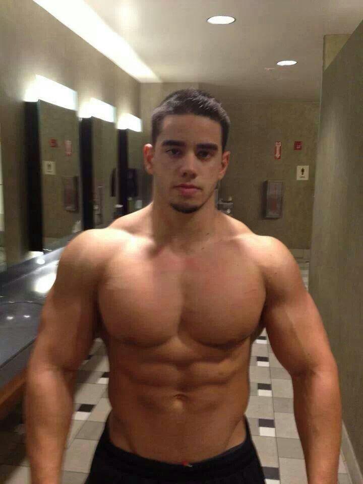 gay muscle latinos
